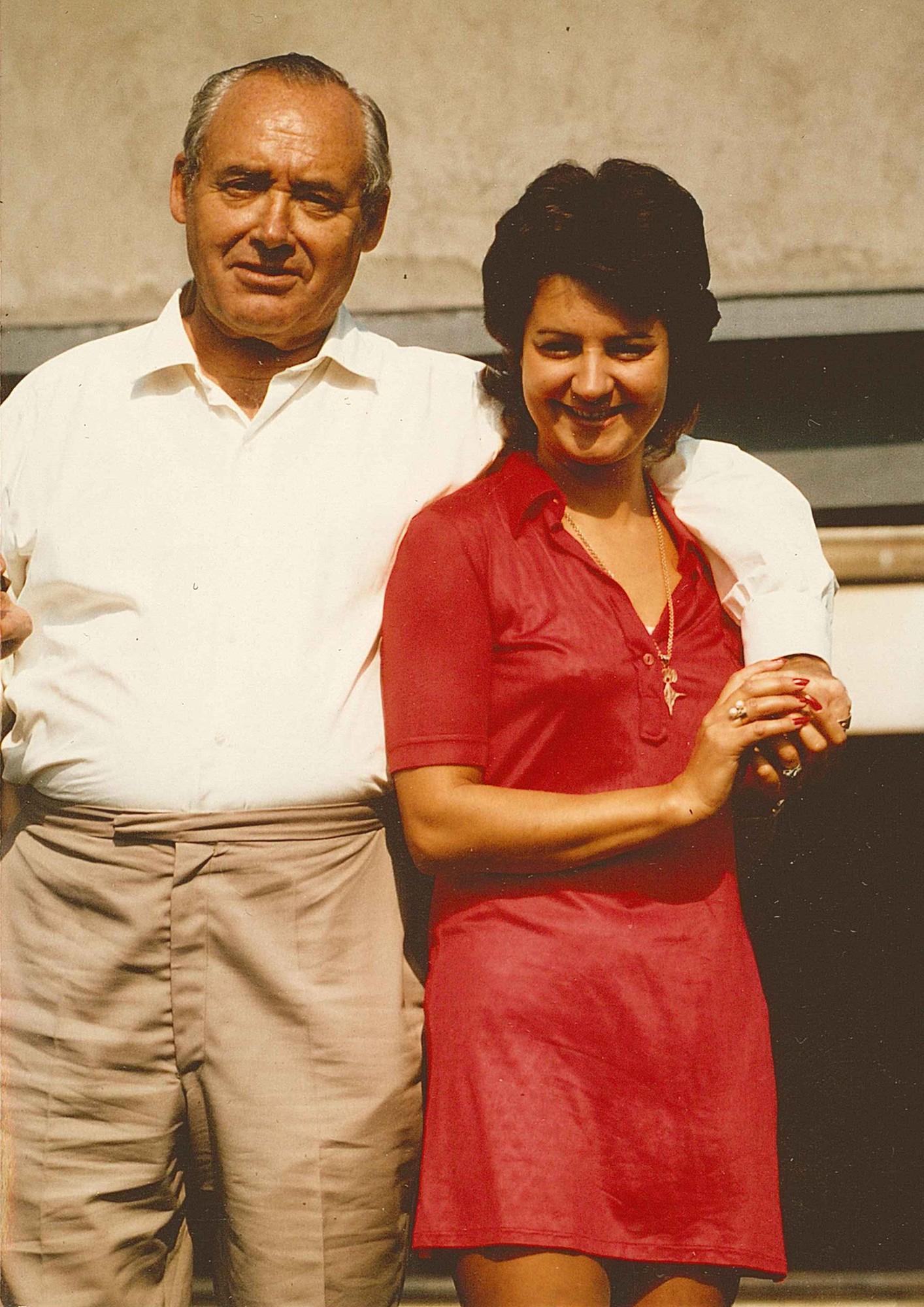 Endschiessen 1973 Kurt Girard mit Türmliwirtin Bernadette
