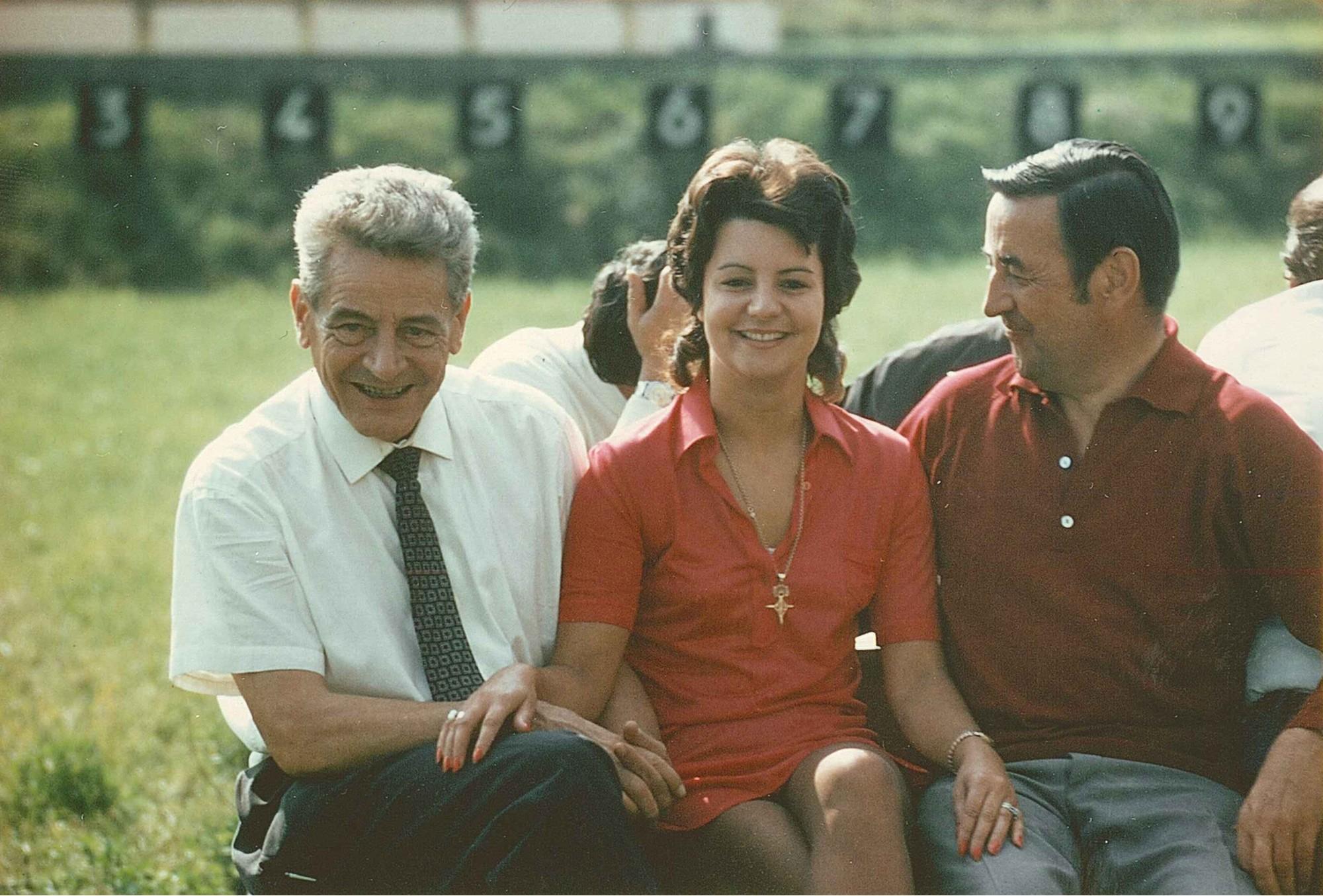 Endschiessen 1973 v.l. Felix H. Riedtmann, Türmliwirtin Bernadette, Henry Scherler