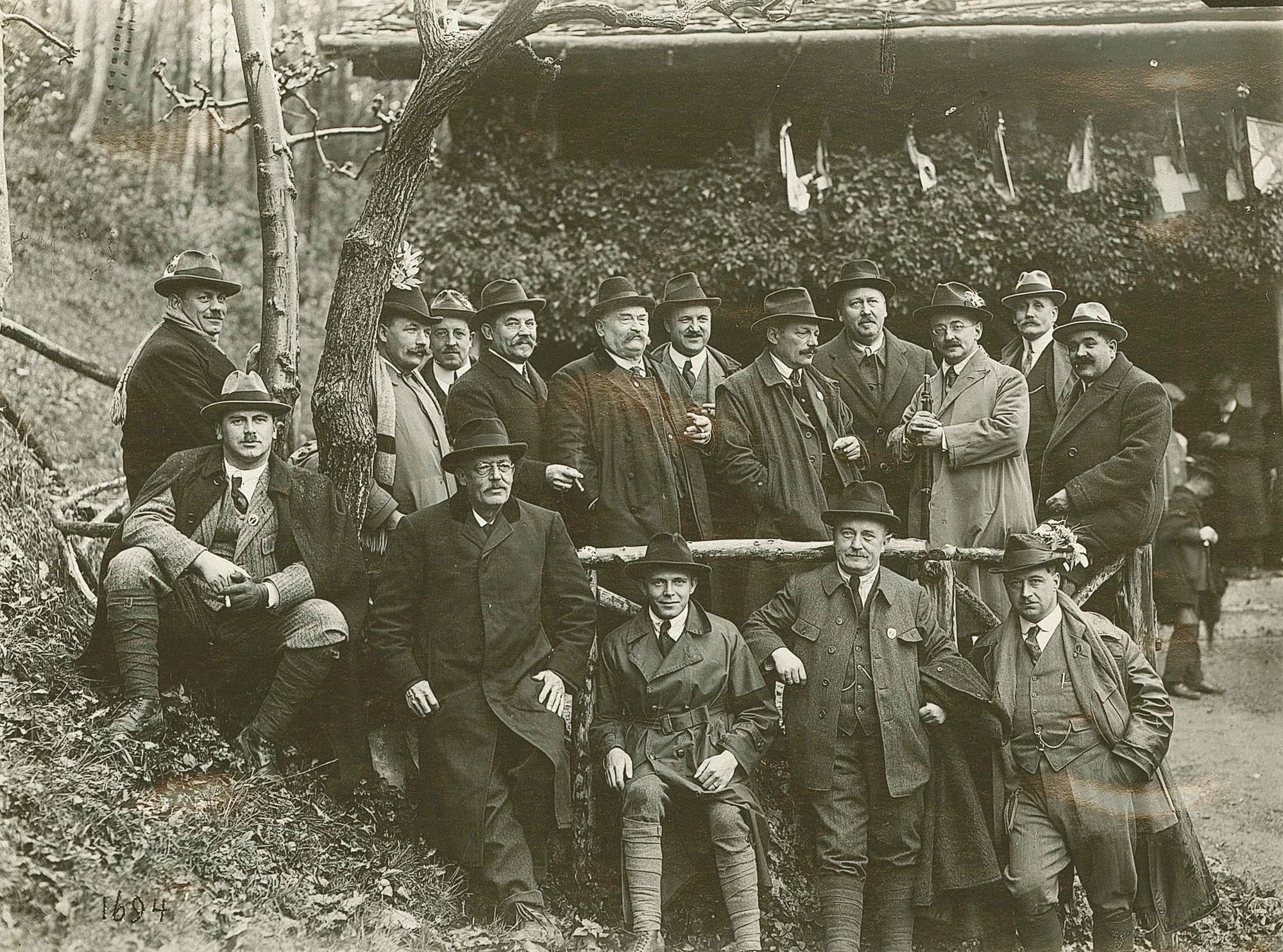 Die Feuerschützen am Rütlischiessen 1923