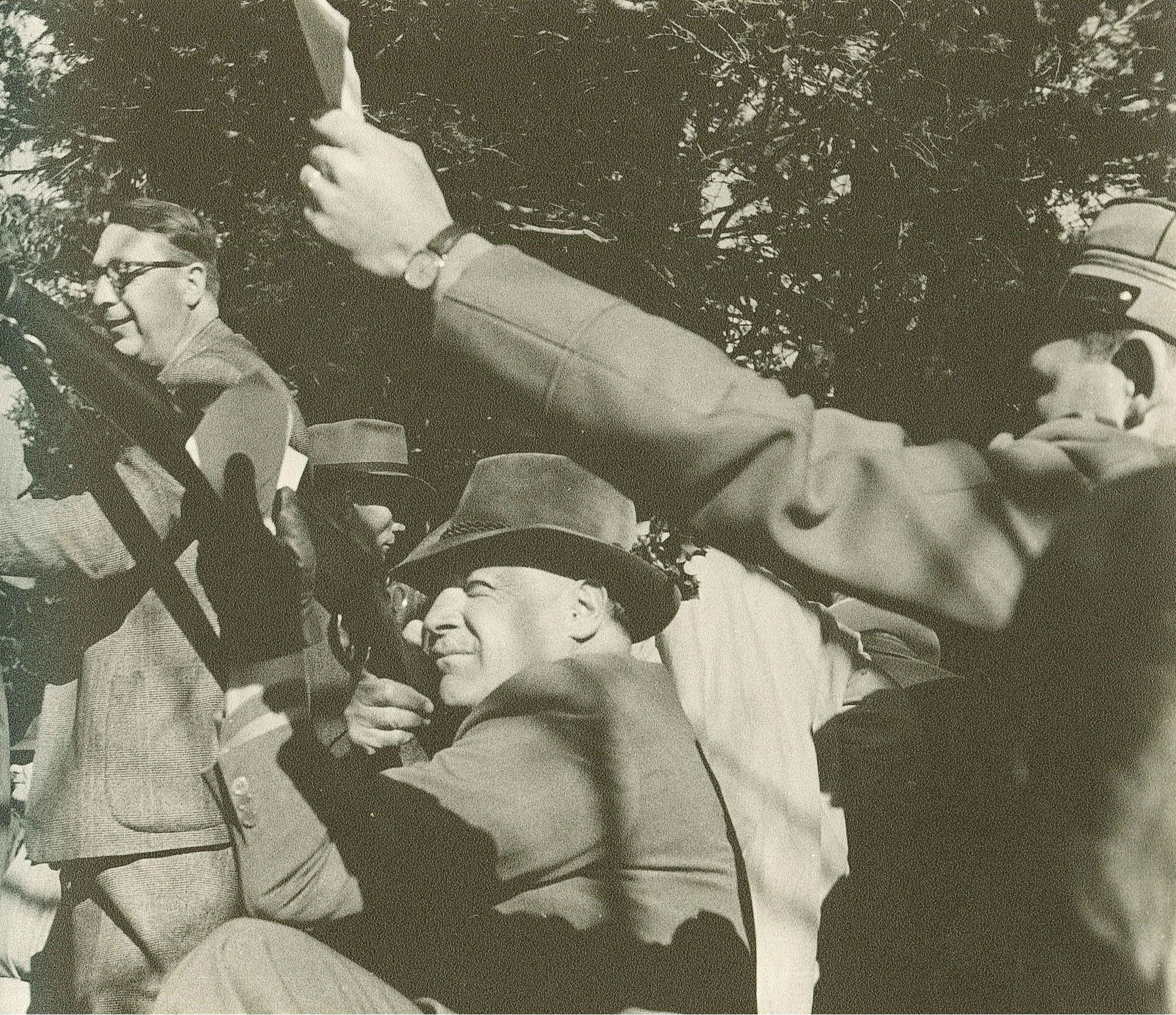 Rütli 1952 v.l. Dr. Adelbert Eckstein, Dr.h.c. Heinrich Küng (schiessend), Dr. Heini Küng