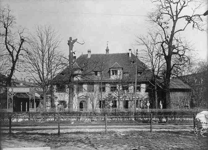 Schützenhaus mit Geleise der Elsässerbahn 1902