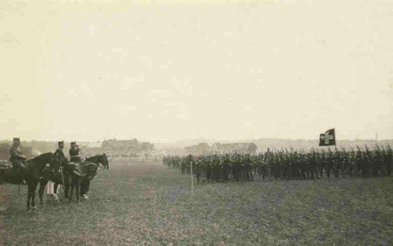 Schützenmatte, Defilee Inf Rgt 22 vor General Ulrich Wille 1915